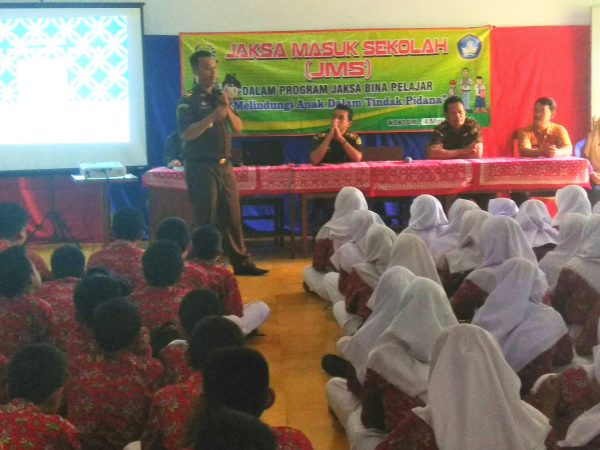 """Jaksa Masuk Sekolah"" Digelar di SMPN 1 Baturetno"