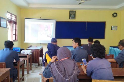 Unduh Materi Vicon bersama drh. Verawati Joko Sutopo, M.Sc.