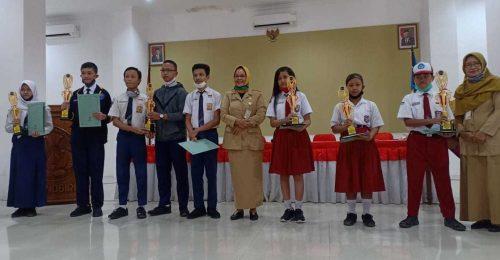 Dinas P dan K Wonogiri Berikan Penghargaan Insan Berprestasi