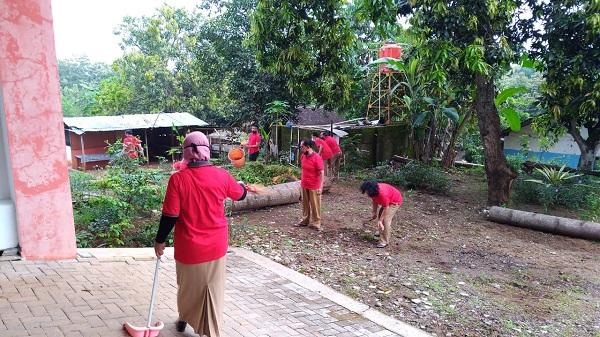 Senin Bersih, Ciptakan Lingkungan Kerja Nyaman