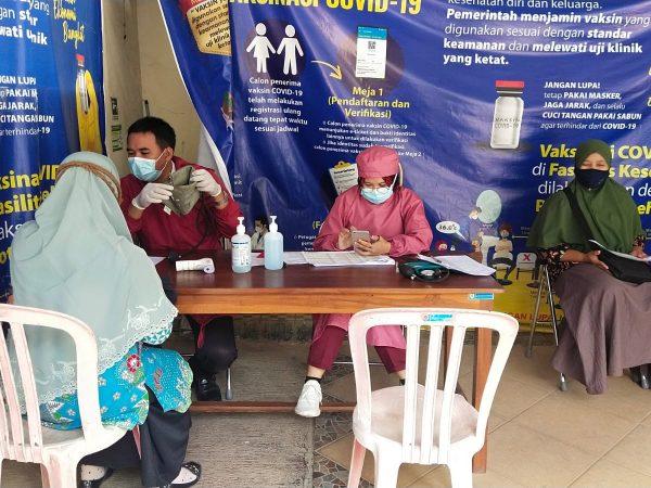GURU PAUD Slogohimo Sukseskan Gerakan Vaksinasi Covid-19